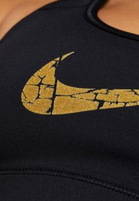 Nike Performance - VICTORY COMP BRA - Sujetador deportivo - black/metallic gold - 4