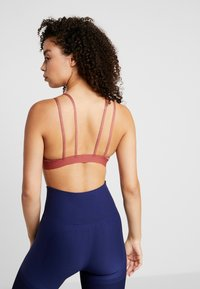 Nike Performance - YOGA BRA - Sport-bh - cedar/light redwood/black - 2