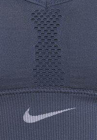 Nike Performance - INDY SEAMLESS BRA - Sujetador deportivo - diffused blue/white - 2