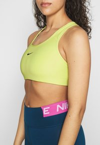 Nike Performance - BRA PAD - Urheiluliivit - limelight/black - 4