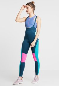 Nike Performance - BEST TIGHT - Punčochy - nightshade/tropical twist/laser fuchsia - 1