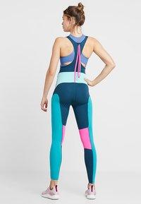 Nike Performance - BEST TIGHT - Punčochy - nightshade/tropical twist/laser fuchsia - 2