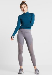 Nike Performance - BODYSUIT - Trainingsanzug - nightshade/spirit teal/laser orange