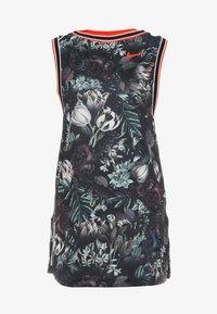 Nike Performance - DRESS  - Sportovní šaty - black/oxygen purple - 3