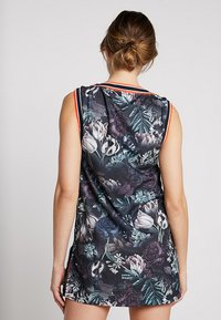 Nike Performance - DRESS  - Sportovní šaty - black/oxygen purple - 2