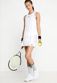 Nike Performance - DRY SKIRT - Sportkjol - white/black - 1