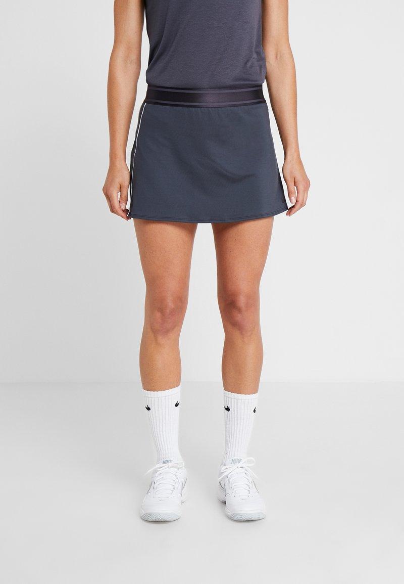 Nike Performance - DRY SKIRT - Sportrock - gridiron/white/gridiron