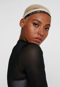 Nike Performance - HAIRBANDS 3 PACK - Andet - white/black - 1