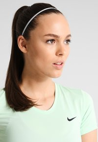 Nike Performance - SKINNY HAIRBANDS 8 PACK - Jiné - black/white - 0
