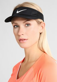 Nike Performance - WOMEN AEROBILL FEATHERLIGHT VISOR ADJUSTABLE - Kšiltovka - black/white - 1