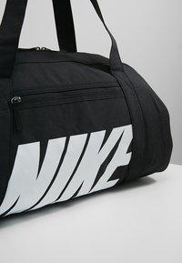 Nike Performance - GYM CLUB - Sporttas - black/black/white - 5