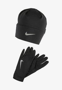 Nike Performance - WOMENS RUN DRY HAT AND GLOVE SET - Fingervantar - black/black/silver - 1
