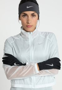 Nike Performance - WOMENS RUN DRY HEADBAND AND GLOVE SET - Cache-oreilles - black/anthracite/silver - 0