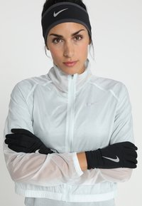 Nike Performance - WOMENS RUN DRY HEADBAND AND GLOVE SET - Cache-oreilles - black/anthracite/silver - 1