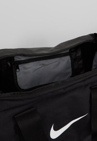 Nike Performance - TEAM DUFFLE - Torba sportowa - black - 4