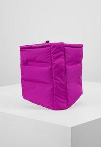 Nike Performance - CITY SCARF - Kruhová šála - vivid purple/reflective black - 0