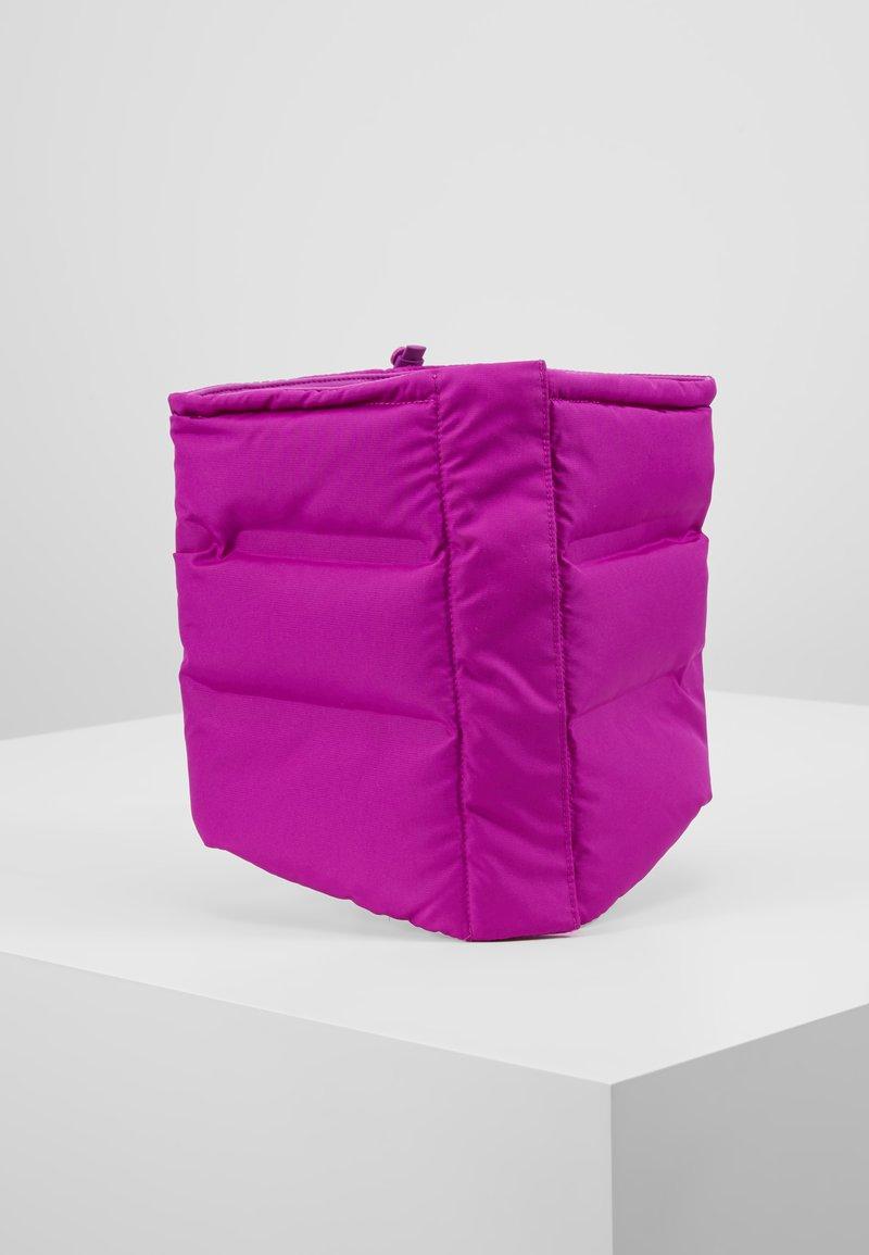 Nike Performance - CITY SCARF - Kruhová šála - vivid purple/reflective black