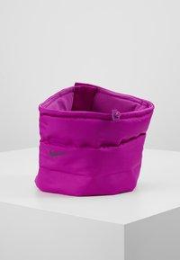 Nike Performance - CITY SCARF - Kruhová šála - vivid purple/reflective black - 2