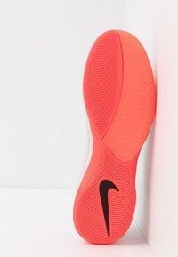 Nike Performance - LUNAR GATO 2 IC - Zaalvoetbalschoenen - platinum tint/black/bright crimson/atmosphere - 4