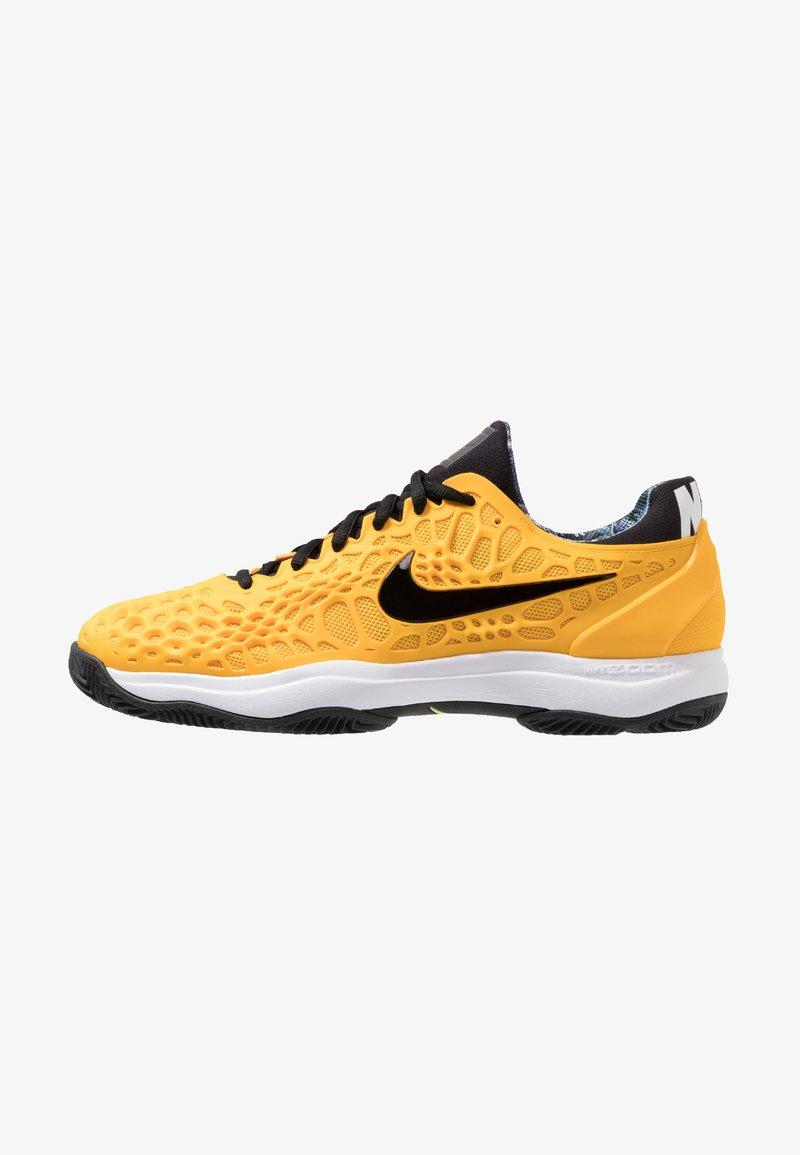 Nike Performance - AIR ZOOM CAGE  - Tennisschuh für Sandplätze - university gold/black/white/volt glow