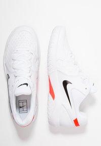 Nike Performance - AIR ZOOM RESISTANCE - Tenisové boty na antuku - white/black/bright crimson - 1