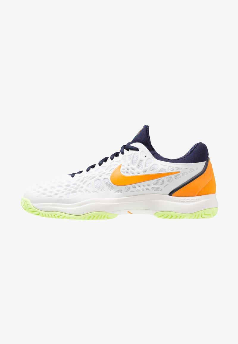 Nike Performance - AIR ZOOM CAGE 3 HC - Tennisschuh für Sandplätze - white/orange peel/blackened blue/phantom/volt glow