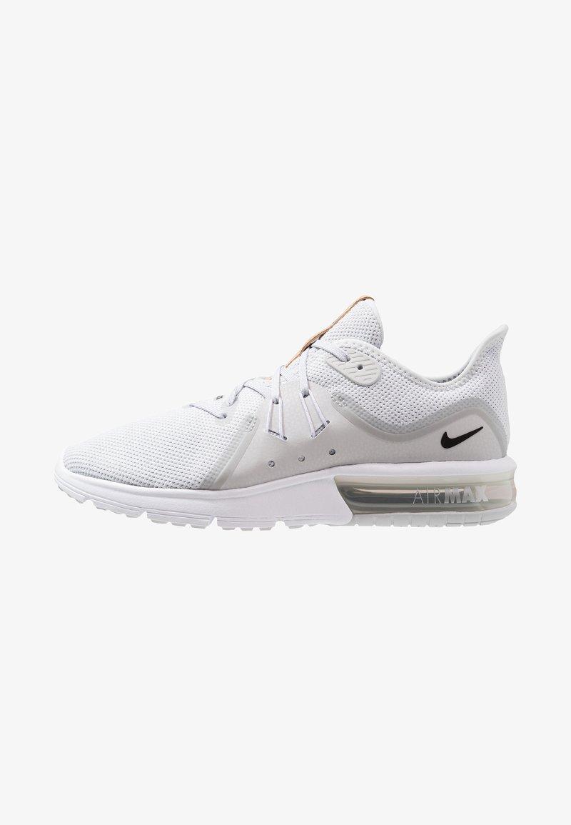 Nike Performance - AIR MAX SEQUENT 3 - Laufschuh Neutral - pure platinum/black/white