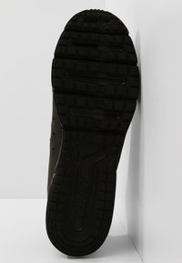 Nike Performance - AIR MAX SEQUENT 3 - Neutrala löparskor - black/anthracite - 4