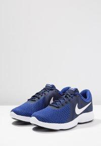 Nike Performance - REVOLUTION - Chaussures de running - uomu blu - 2