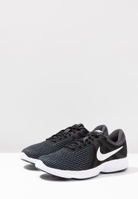 Nike Performance - REVOLUTION - Løpesko for mark - black/white/antracite - 2