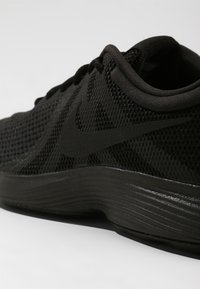 Nike Performance - REVOLUTION - Laufschuh Trail - black/black - 5