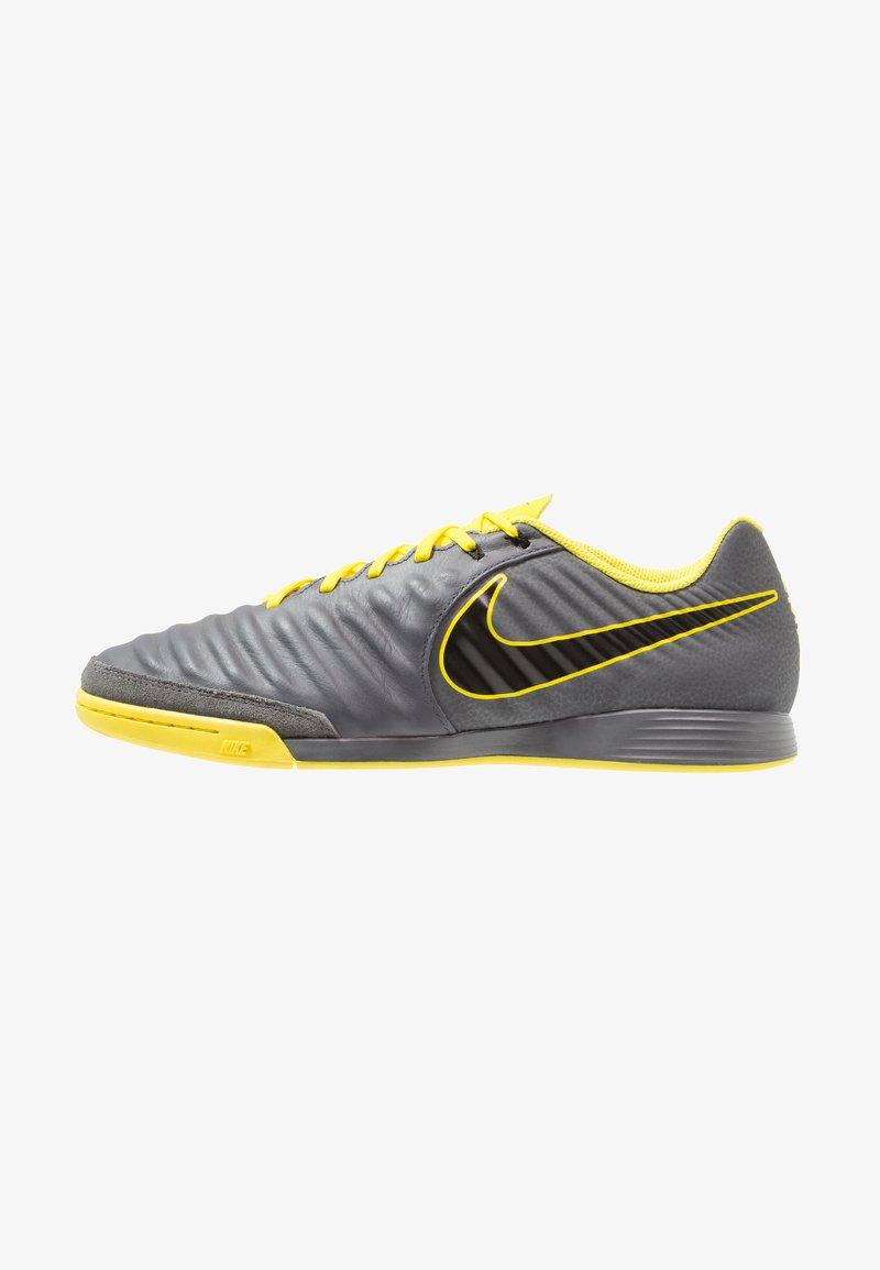 Nike Performance - TIEMPO LEGENDX 7 ACADEMY IC - Fußballschuh Halle - dark grey/black/optic yellow