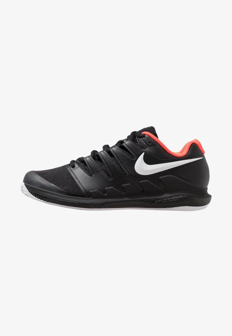 Nike Performance - AIR ZOOM VAPOR X CLAY - Tennisschuh für Sandplätze - black/white/bright crimson