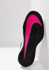 Nike Performance - AIR ZOOM VAPOR X - All court tennisskor - half blue/black/white/laser fuchsia/bright crimson/indigo force - 4