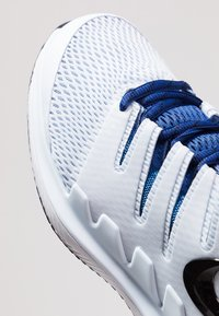Nike Performance - AIR ZOOM VAPOR X - All court tennisskor - half blue/black/white/laser fuchsia/bright crimson/indigo force - 5