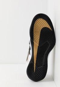 Nike Performance - AIR ZOOM VAPOR X - All court tennisskor - black/metallic gold/white - 4