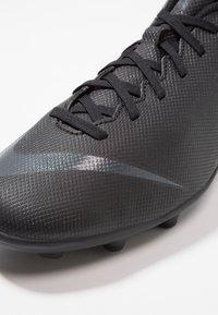 Nike Performance - MERCURIAL VAPOR 12 CLUB MG - Fotballsko - black/anthracite/light crimson - 5