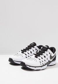 Nike Performance - LUNAR FINGERTRAP TR - Treningssko - white/black - 2