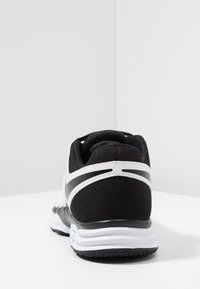 Nike Performance - LUNAR FINGERTRAP TR - Treningssko - white/black - 3