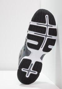 Nike Performance - LUNAR FINGERTRAP TR - Treningssko - cool grey/black - 4