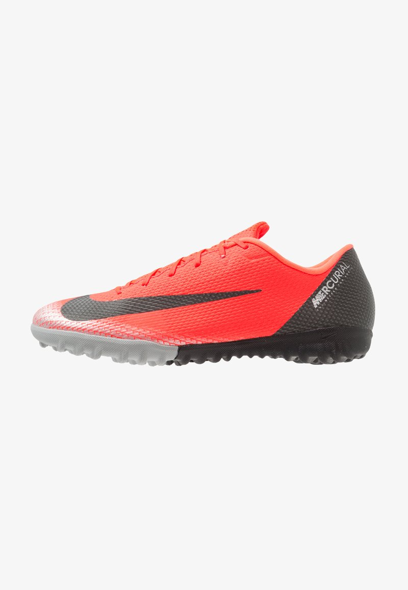 Nike Performance - VAPORX 12 ACADEMY CR7 TF - Fußballschuh Multinocken - bright crimson/chrome/dark grey/black