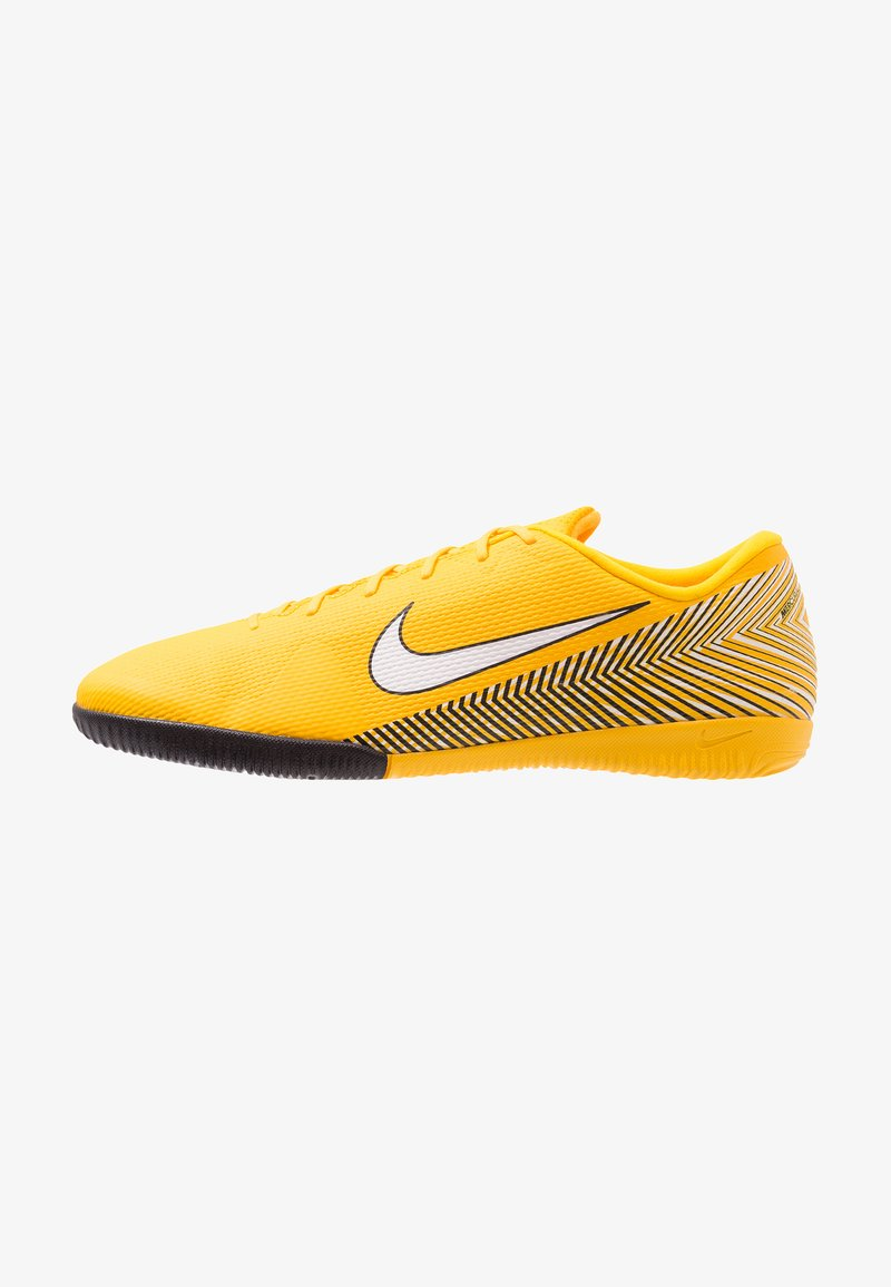 Nike Performance - MERCURIAL VAPORX 12 ACADEMY NJR IC - Fußballschuh Halle - amarillo/white/black
