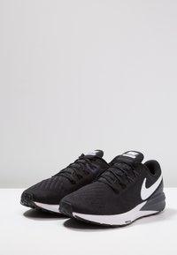 Nike Performance - AIR ZOOM STRUCTURE 22 - Juoksukenkä/vakaus - black/white/gridiron - 2