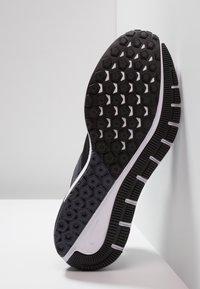 Nike Performance - AIR ZOOM STRUCTURE 22 - Juoksukenkä/vakaus - black/white/gridiron - 4