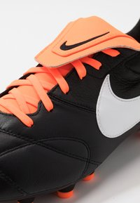 Nike Performance - NIKE PREMIER II FG FUBBALLSCHUH FUR NORMALEN RASEN - Voetbalschoenen met kunststof noppen - black/white/total orange - 6