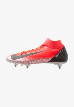 6 ACADEMY CR7 SGPRO - Chaussures de foot à lamelles - bright crimson/chrome/dark grey/black