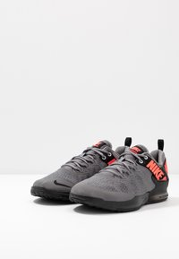 Nike Performance - ZOOM DOMINATION TR 2 - Sportschoenen - gunsmoke/flash crimson/black - 2