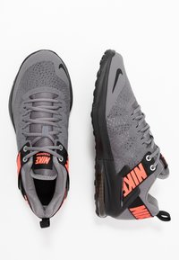 Nike Performance - ZOOM DOMINATION TR 2 - Scarpe da fitness - gunsmoke/flash crimson/black