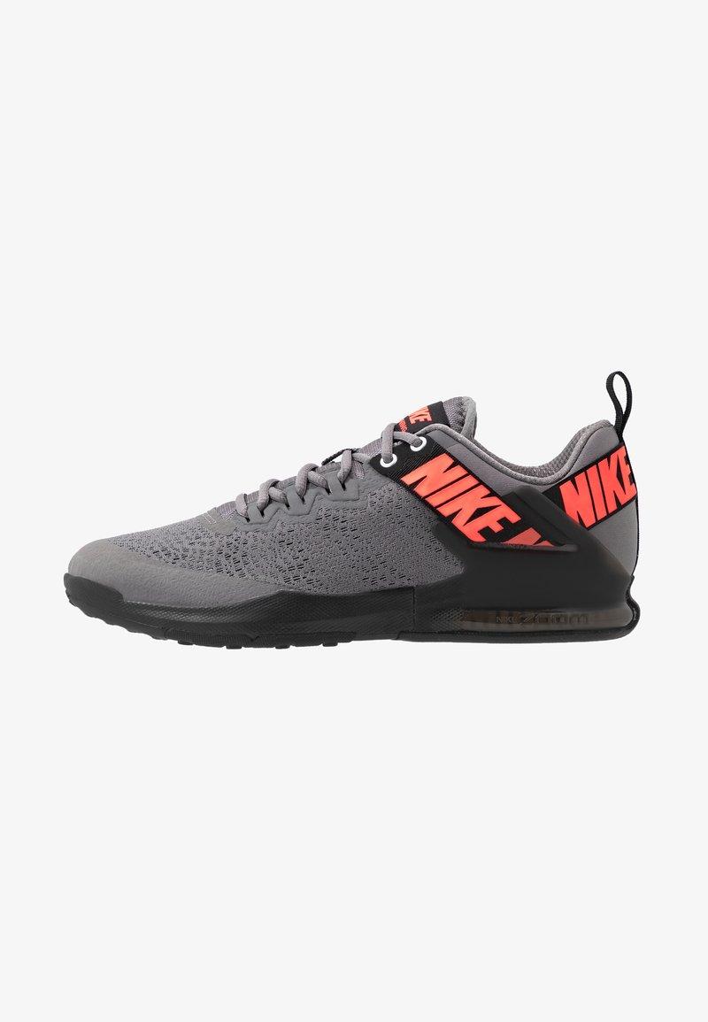 Nike Performance - ZOOM DOMINATION TR 2 - Sportschoenen - gunsmoke/flash crimson/black