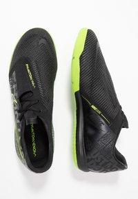 Nike Performance - ZOOM PHANTOM PRO IC - Futsal-kengät - black/volt - 1